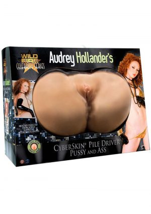 Audrey Hollanders Pussy and Ass